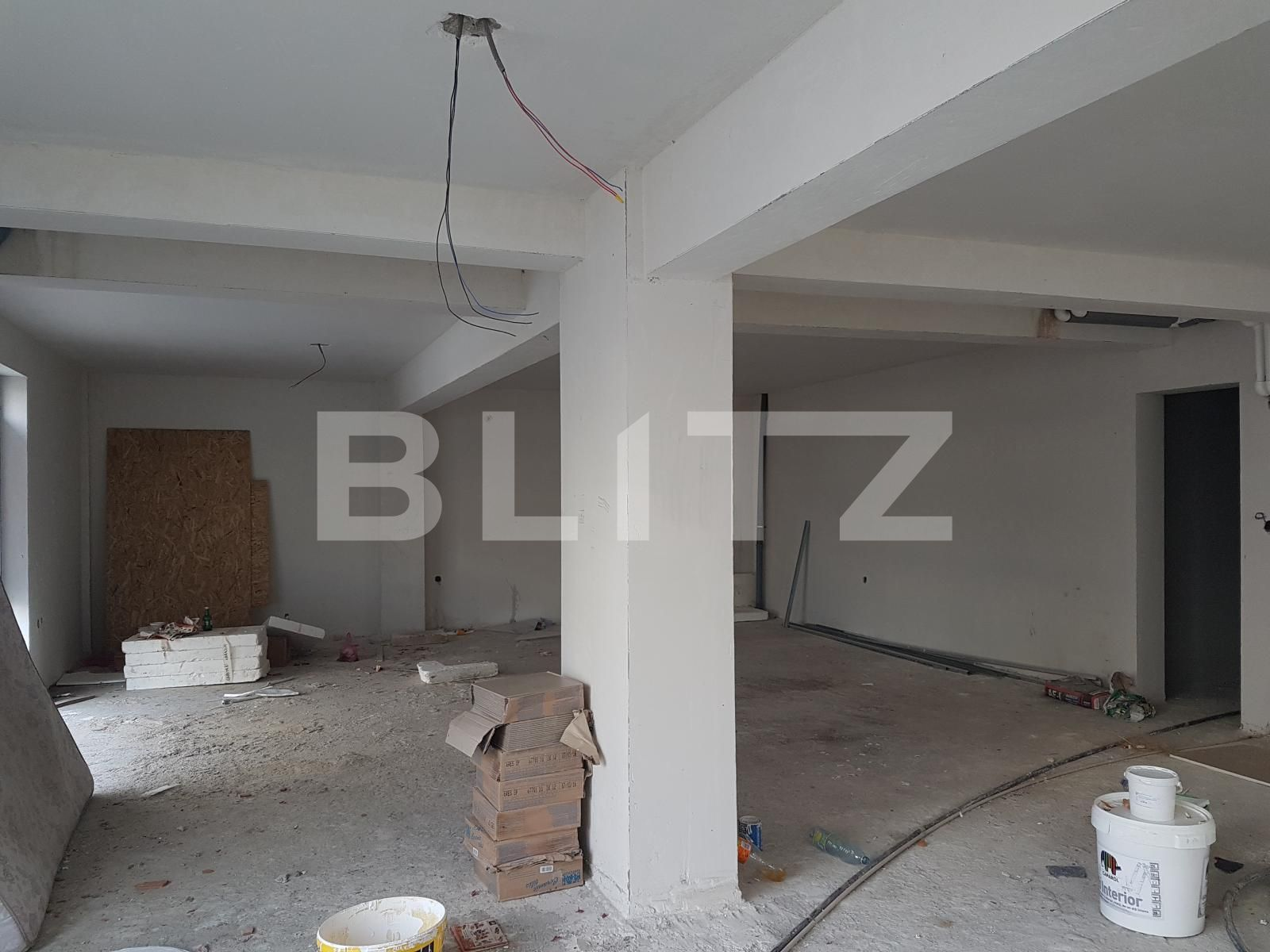 Spatiu comercial, 92 mp, open space, parcare, zona Leroy Merlin