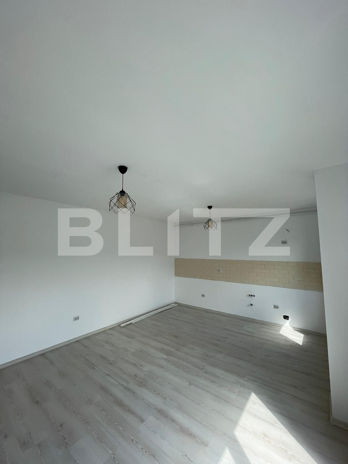 2 camere, finisat, lift, 45 mp., zona Terra